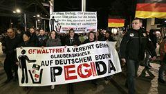Desítky tisíc Němců demonstrovaly proti islámu nebo proti Pegidě