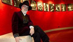 Autor Úžasné Zeměplochy Pratchett oslaví 65. narozeniny