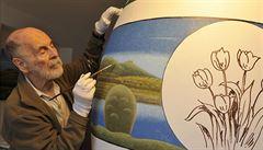 Břeclavský malíř chystá na Velikonoce rekordní kraslici