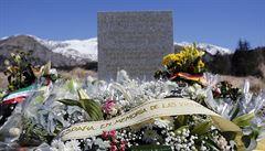 Vydávala se za příbuznou oběti Germanwings. Navštívila zadarmo Alpy