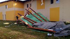Vítr trhal střechy, stoupaly hladiny řek. Po Strahově létalo polystyrenové zateplení