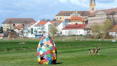 V Hluboké vznikla Velikonoční stezka s obřími vejci
