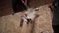 Předák IS měl v mosulském domě artefaktů jako pro malé muzeum. Prodat je už nestihl