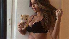 Modelce, která posilovala i během těhotenství, se narodil zdravý syn