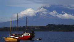 Sopka Calbuco v Chile opět chrlí žhavé kameny. Lidé jsou evakuováni