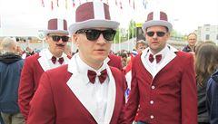 Lotyš, kam se podíváš. Kvůli mačkanici nestihli fanoušci úvod zápasu