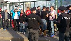 Zátah před O2 arenou. Policie zadržela hlavně překupníky z Maroka