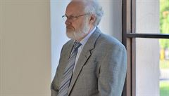 Změna advokáta je Rathova poslední zoufalá obstrukce, říká žalobce
