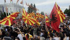'Sbohem, Nikolo.' Přes 20 tisíc lidí ve Skopje požadovalo demisi vlády