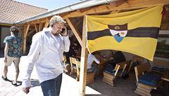 Liberland po čtvrt roce. Nákup dronů i let prezidenta Jedličky do USA
