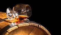 Dražší dovoz bourbonu nebo arašídové pomazánky. Tak by se EU pomstila za americká cla