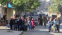 Migranti ze Sýrie míří do Turecka. Podle Erdogana prchá z Idlibu 80 000 lidí