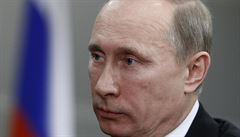 Putinovi klesá obliba, ke své straně se nehlásí