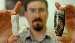 Archeologové u Chrudimi našli středověké smetiště a 20 dýmek