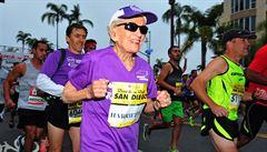 V 92 letech rekordmankou. Američanka vyléčila rakovinu a zaběhla maraton