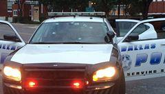 Na sídlo policie v Dallasu útočil muž, zabili ho odstřelovači