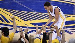 Basketbalisté Golden State jsou krůček od titulu NBA. Clevelandu docházejí síly