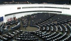Válka o autorská práva: poslancům vyhrožují smrtí. Co může přinést sporná směrnice EU?