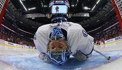 Proč opustil bránu ve finále Stanley Cupu? Tampu táhne tajemný 'Biskup'