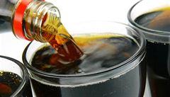 Coca-cole šlape na paty daň z cukru. V Británii zmenší lahve a ještě zdraží