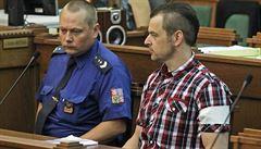 Nevěřím, že manželku a dceru zavraždil, uvedl u soudu Kramného kamarád
