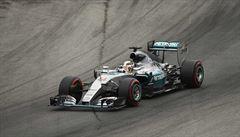 Hamilton si vyjel posedmé v sezoně pole position. Rosberg odstartuje druhý