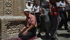 Poprvé po třiceti letech. EU uvalila sankce na čtyři čínské činitele za porušování práv Ujgurů