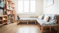 Zachraňují exotické dřevěné palety a dělají z nich originální nábytek