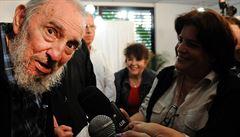 Osmaosmdesátiletý Fidel Castro na veřejnosti. Popovídal si se sýraři