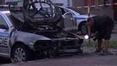 Odveta anarchistů za zásah: za dva měsíce hořelo pět policejních aut