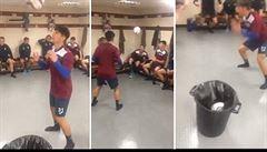VIDEO: Mistři hlaviček. Fotbalisté předvedli, jak si rozumí s míčem