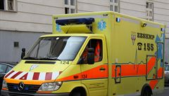 Tragédie na Orlickoústecku. Po srážce dodávky s náklaďákem zemřel člověk, dalších šest je zraněno