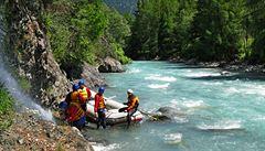 Švýcarské řeky plné soutěsek. Proč rafty milují peřeje na horním Innu?