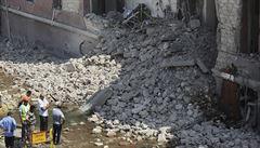 Při explozi u italského konzulátu v Káhiře zemřel člověk. Jsme ve válce, reaguje Egypt