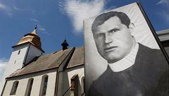 Lidé si v Číhošti připomněli památku umučeného kněze Toufara