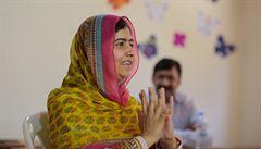 'Investujte do knih, nikoliv do střel,' vyzvala Malala a otevřela školu pro syrské dívky