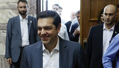 Řecko schválilo třetí záchranný program. EU přesto chystá překlenovací úvěr