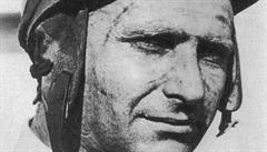 Tělo legendárního jezdce Fangia bude exhumováno. Kvůli testu otcovství
