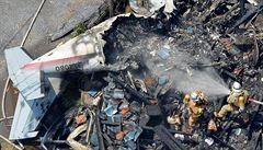 V Tokiu spadlo letadlo přímo do obytné zóny. Tři lidé přišli o život