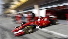 Špatný start Hamilton v Maďarsku nedohnal, skončil až šestý. Vyhrál Vettel