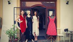 České návrhářky chystají vintage kolekci rychlesvlékacích šatů