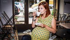 Matkám na mateřské se nelíbila těhotenská móda, rozjely vlastní značku