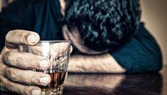 Zeptali jsme se vědců: Proč mají někteří alkoholici červený nos?