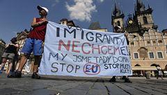 Zpráva o nenávisti v Česku: chtěli zapálit Roma, zastánci migrantů hrozili smrtí