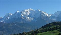 V tajícím ledovci na Mont Blancu se našly noviny z roku 1966. Zůstaly tam nejspíš po letecké havárii