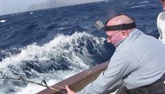 Skoro jako od Hemingwaye: Při chytání mečouna měl rybář štěstí v neštěstí