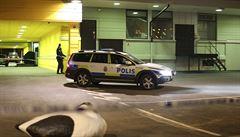 Střelba gangů v restauraci na jihozápadě Švédska. Nejméně dva mrtví