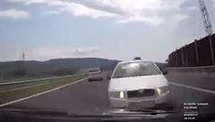 Nehoda, které nešlo zabránit. Na dálnici u Sokola se čelně srazila dvě auta
