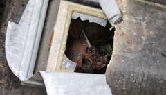 Zloděj otevřel přes osmdesát hrobek ve třech krajích. Kradl zlaté zuby