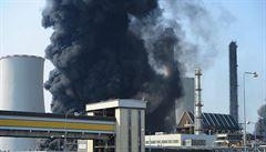 Policisté v souvislosti s loňskou havárií v Unipetrolu obvinili dva zaměstnance